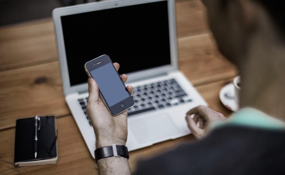 Telefon tylko do dzwonienia, czy iPhone stał się aż tak nudny?