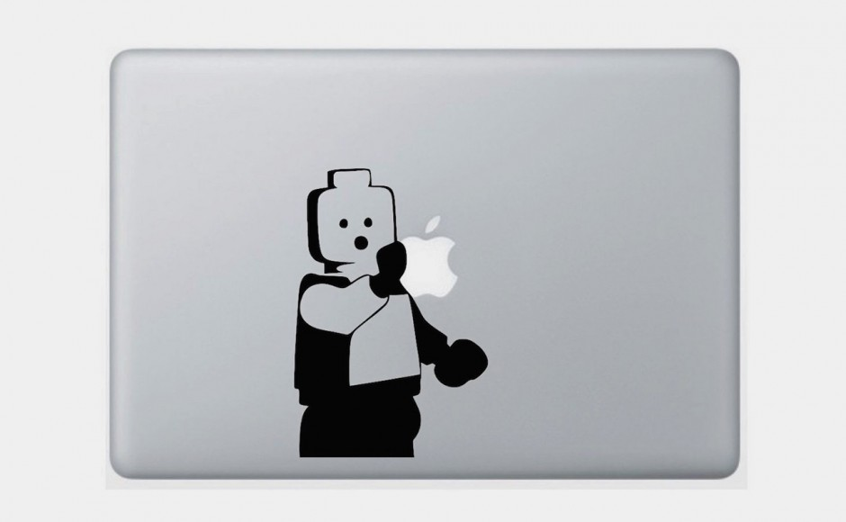 MacBook: rewelacyjna naklejka z ludzikiem lego