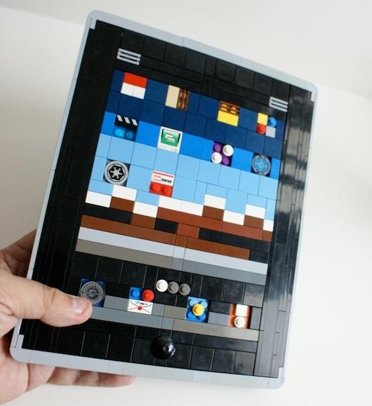 iPad 2 LEGO